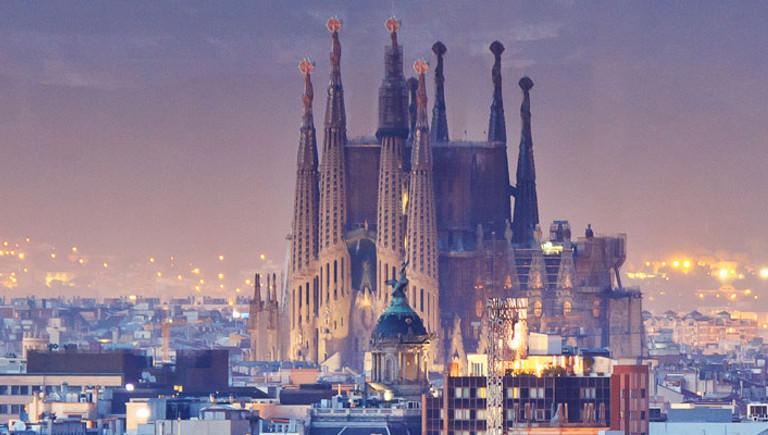 Conoce el método de inversión sencillo y rentable que te permitará ganar dinero mientras disfrutas de los tuyos en nuestro curso de bolsa en Barcelona