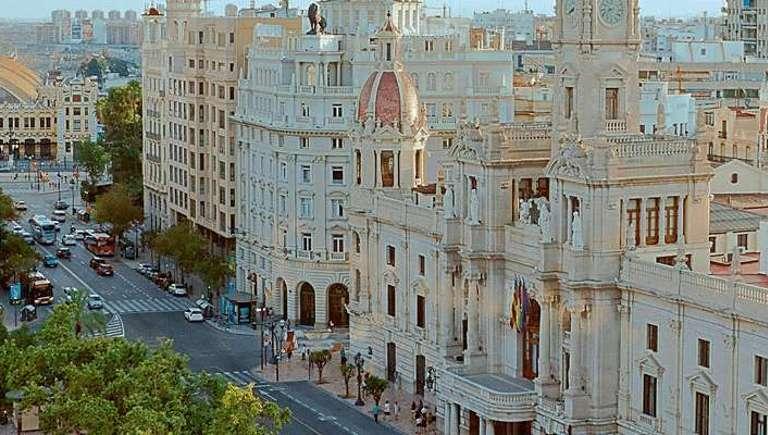 Aprende a invertir en bolsa de forma rentable con nuestros cursos en Valencia